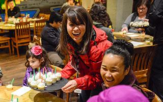 Seasonal food tours are highly popular among tourists. (Photo by Jay Chan)